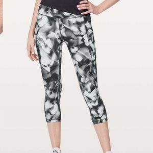 Lululemon Athletica Speed Up Crop Pants
